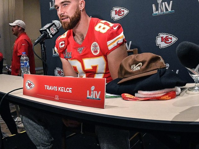 Chiefs' Travis Kelce joined in kneeling protest, but he's facing backlash over his comments about visiting the White House