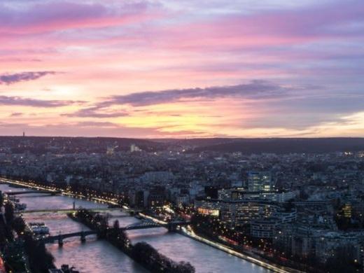 American / United: New York / Newark – Paris, France. $344 (Regular Economy) / $254 (Basic Economy). Roundtrip, including all Taxes
