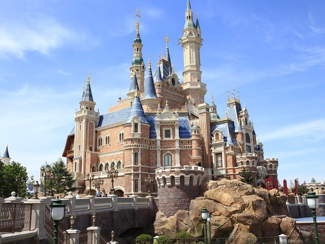 Hollywood news banter: Andy Lack out at NBC News, Shanghai Disneyland to reopen