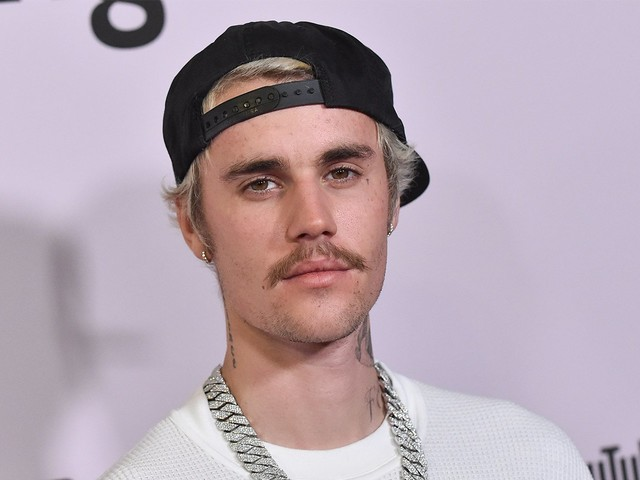 Did Justin Bieber Send Secret Message To QAnon At VMAs?