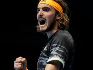 Tsitsipas beats Federer to reach London final