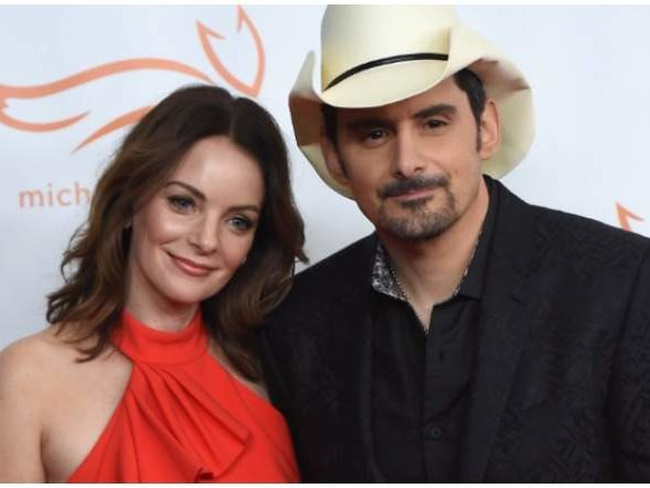Brad Paisley Kids & Family: 5 Fast Facts You Need to Know