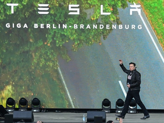 Tesla's Cybertruck fiasco cost Elon Musk $768 million in a single day — here's how the notorious workaholic and father of 5 makes and spends his $23.6 billion fortune