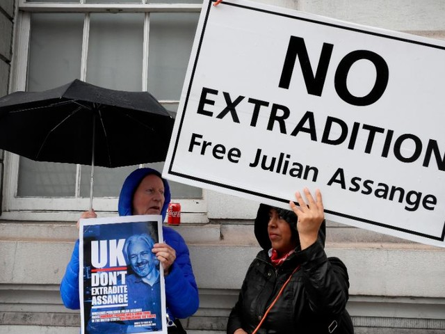 Assange denied delay to extradition hearing