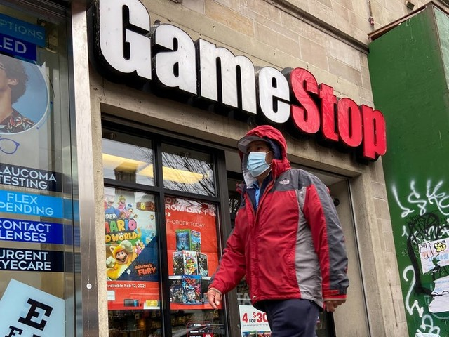 What happened last week? GameStop stock soared, Robinhood halted trading, and the SEC said it would monitor the situation.