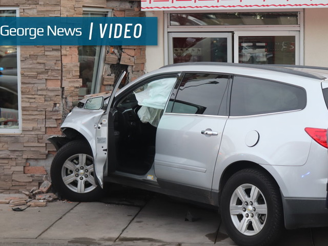 SUV crashes into Washington City In-N-Out, 4 transported to hospital