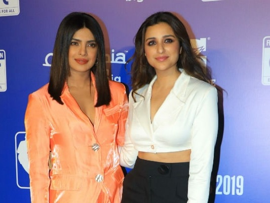 Priyanka And Parineeti Will Voice Elsa And Anna In 'Frozen 2' Hindi