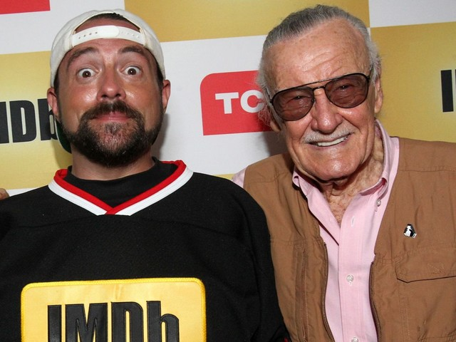 Kevin Smith pays Captain Marvel back for that meta Stan Lee cameo