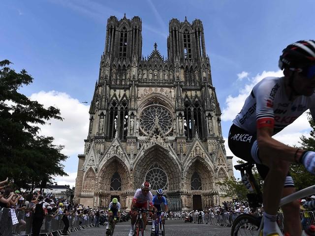 At Tour de France, a beacon for fire-damaged Notre Dame