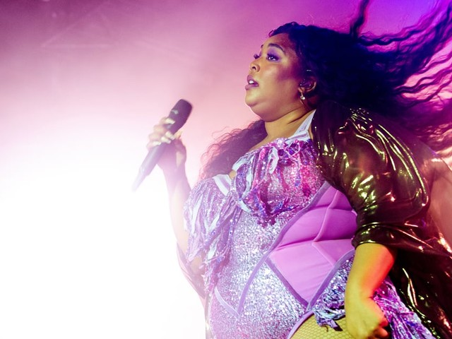 "The Loophole That Makes Lizzo's 2017 Song ""Truth Hurts"" Eligible For a 2020 Grammy"