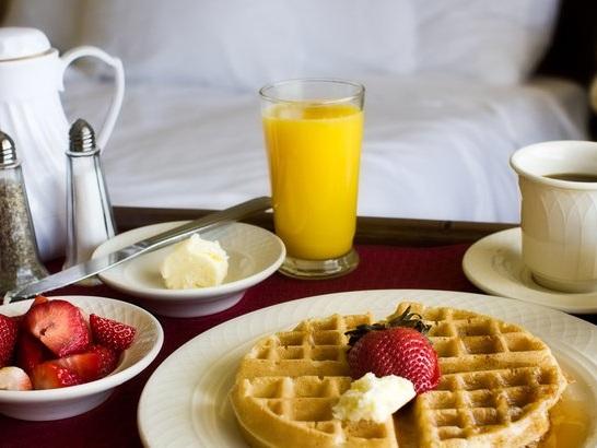 The 20 Best Free Hotel Breakfasts in America