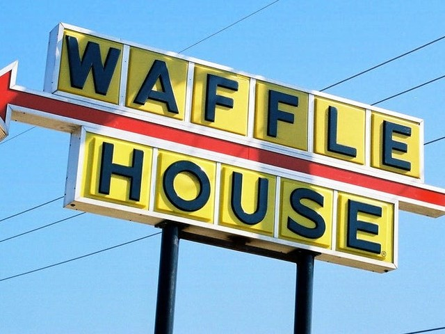 People are freaking out after Waffle House closes hundreds of restaurants