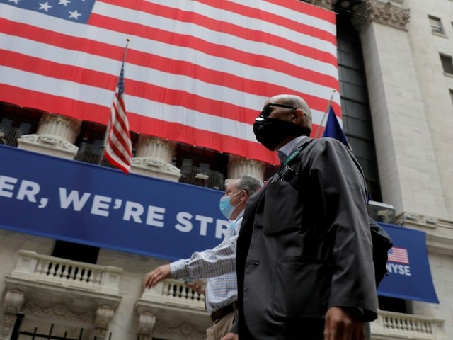 US stocks climb as better-than-expected jobless claims offset stimulus concerns