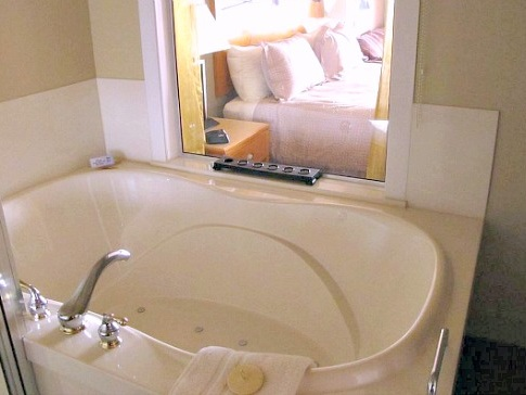 Jun 21, Vancouver Island Jacuzzi Suites - Excellent Romantic Vacations