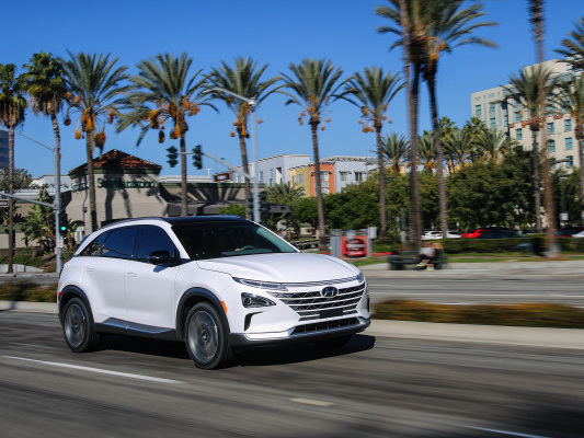 Hyundai's fuel cell SUV just scored a top safety rating from IIHS