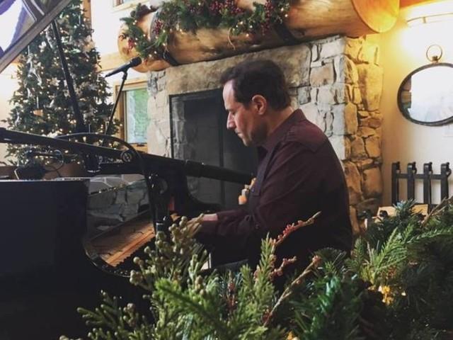Hometown boy Jim Brickman brings 'A Joyful Christmas' to Playhouse Square