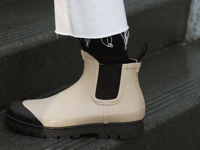 5 women put Everlane's new $75 rain boots to the test in New York City — here's how they held up