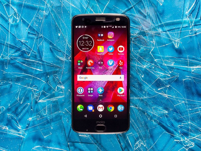 Motorola Moto Z2 Force review: the screen won't shatter, but your wallet will