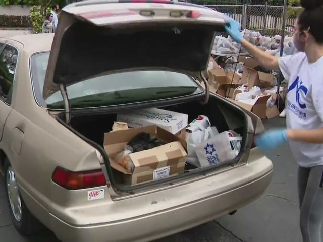 Miami-Dade College Hialeah Campus Hosts Food Distribution