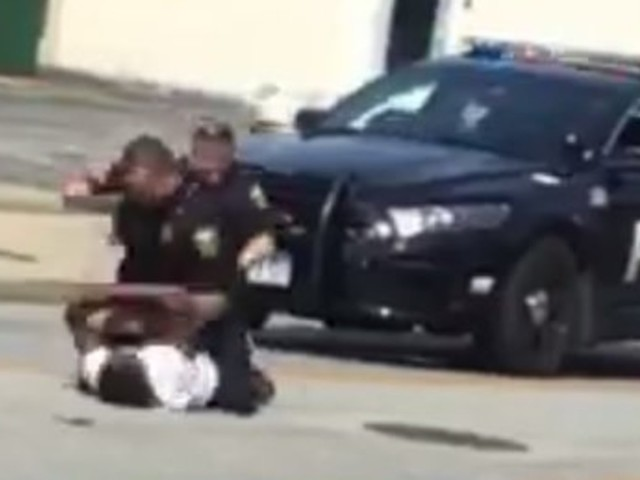 Video Shows White Cop Repeatedly Punch Black Man After Traffic Stop