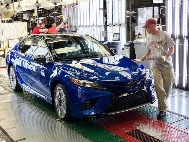 Toyota puts U.S. workers on alert: Made-in-Japan Camrys cheaper