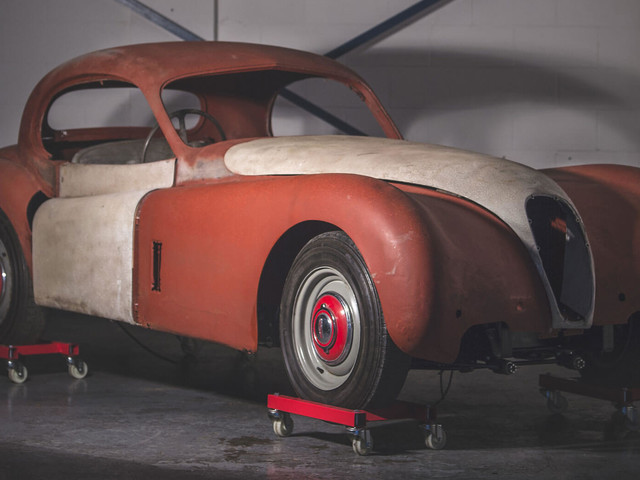 1954 Jaguar XK120 Needs More Than A Dust-Off To Be Brought Back To Life