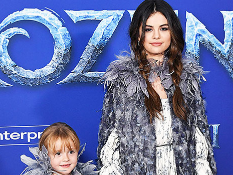 Selena Gomez Reveals The Sweet Advice She Gave Sis Gracie, 6, Before 'Frozen 2' Red Carpet