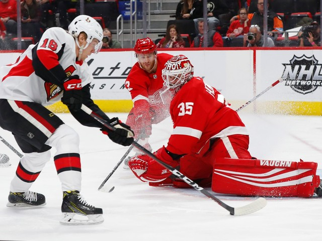 Athanasiou, Howard lead Red Wings past Senators, 3-2