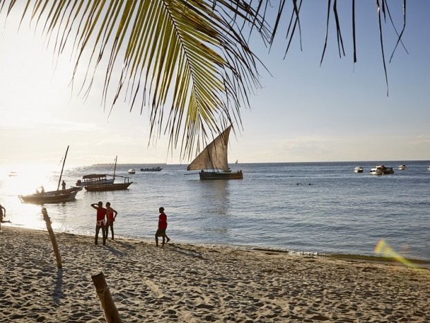 News: Ajax partners with Curaçao Tourist Board