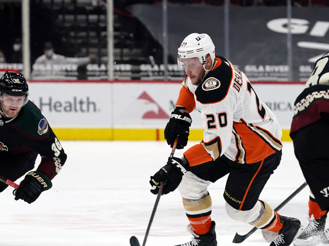 Coyotes rally from 3 down to beat Ducks 4-3 in shootout