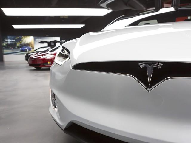 Inside Tesla's new Mag Mile showroom