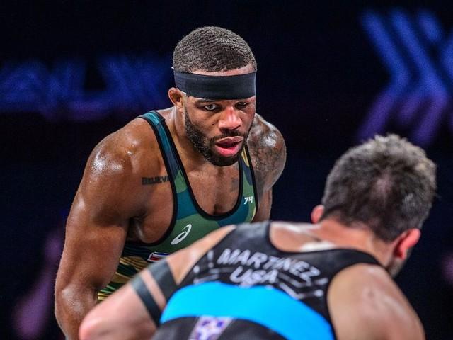 Wrestling breakdown: Jordan Burroughs denies Isaiah Martinez