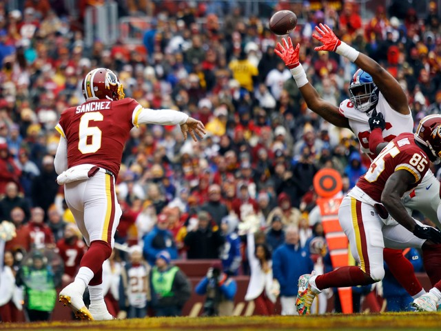 Redskins to start Josh Johnson after Mark Sanchez flounders in loss to Giants