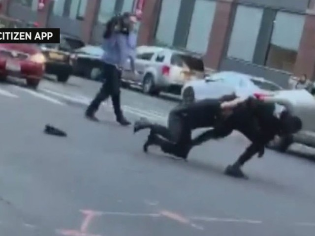 Suspect Escapes NYPD Cruiser Before Being Tackled After Shooting On Upper West Side