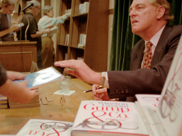 Winston Groom, Author of 'Forrest Gump,' Dies at 77