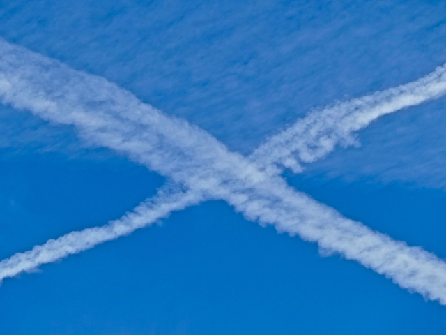 Getting rid of airplane contrails could help save the planet