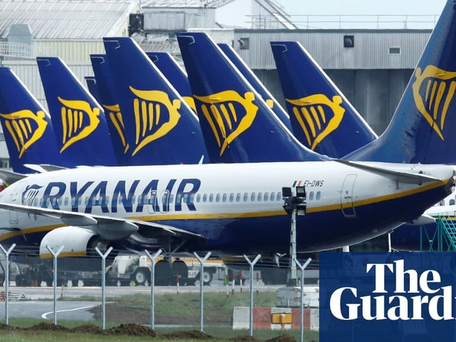Ryanair staff in France accuse airline of 'redundancy blackmail'