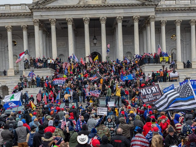 Insurrectionists are rushing to delete evidence of their participation in the Capitol riot, report says