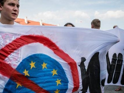 "Soros Panics Over Populist Revolt: ""EU Is Sleepwalking Into Oblivion"""