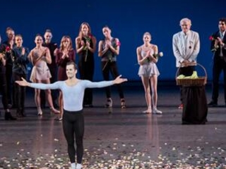 Robert Fairchild ends ballet career with confetti, flowers