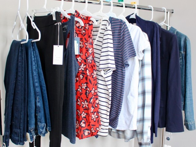 5 Stay at Home Mom Wardrobe Essentials on a Budget