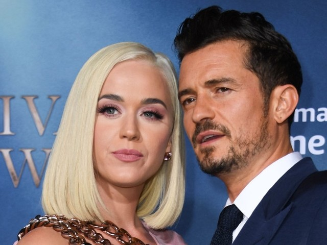 Endnotes: Katy Perry and Orlando Bloom Kiss at Carnival Row Premiere and More!