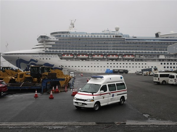 Cruise ship evacuees head to U.S. after quarantine
