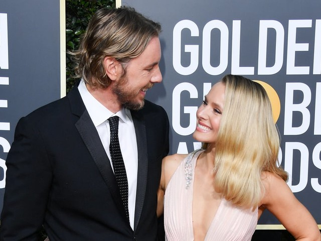 """Kristen Bell Says There Were """"No Sparks"""" With Dax Shepard - Until a Risky Text"""