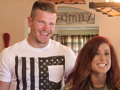Chelsea Houska's Husband Cole DeBoer Puts His Amazing Physique On Display During Intense Workout