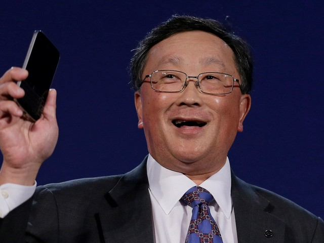 BlackBerry wants to rescue users of the doomed BBM messaging service by giving them access to its corporate product (BB)