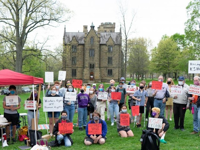 Kenyon student workers escalate protesting in favor of union recognition