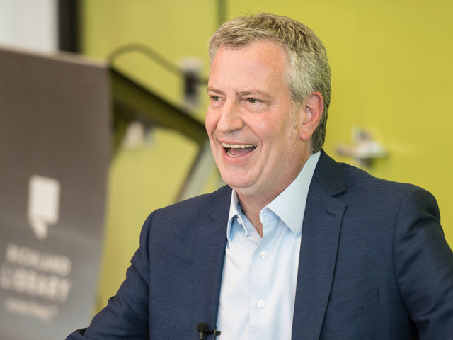 De Blasio attacks Trump's Air Force One video after filming at Gracie Mansion