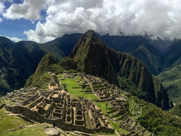 The World's Top 20 Picturesque Hiking Routes