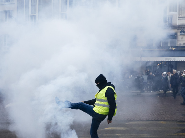 Tear gas fired in Paris as yellow vests mark anniversary